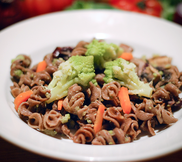 Crické pasta fusilli high in protein with cauliflowers and carrots