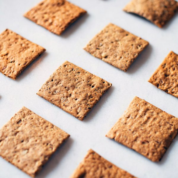 High-protein crackers with edible insects